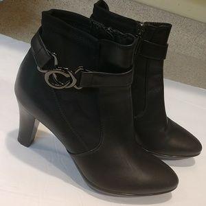 Aquatalia Black Leather Booties Size 6